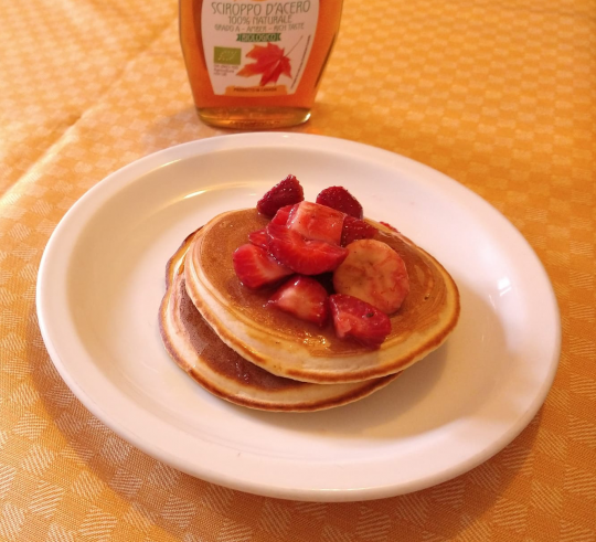 pancake with strawberry